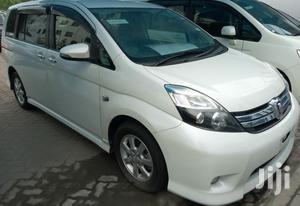 New Toyota ISIS 2013 Silver