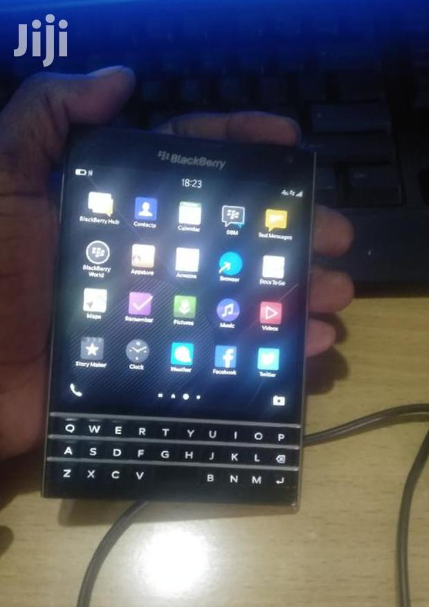 Archive: BlackBerry Passport 32 GB