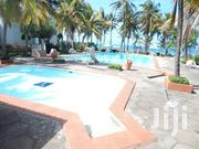 Gorgeous 2 Bedroom Beachfront (With Infinity Pool) Apartment Nyali | Houses & Apartments For Rent for sale in Mombasa, Mkomani