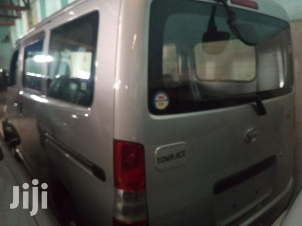 Archive: Toyota Townace 2012 Silver