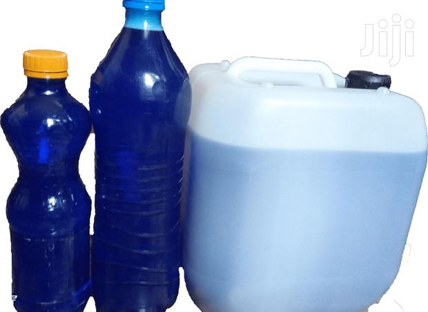 Distainer for Toilets and Stain Removal in Sinks Per Unit 1 Litre