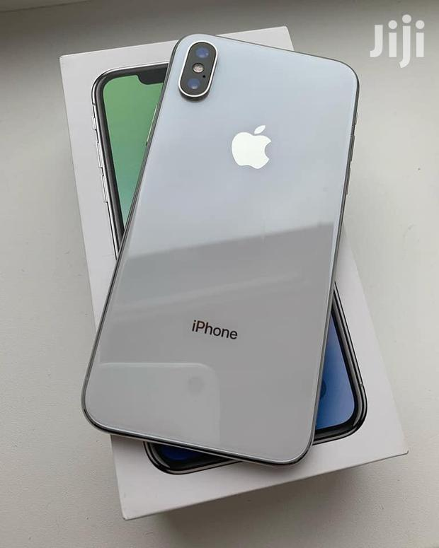 Archive: Apple iPhone X 256 GB Silver