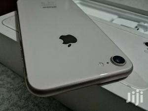 New Apple iPhone 8 64 GB Silver