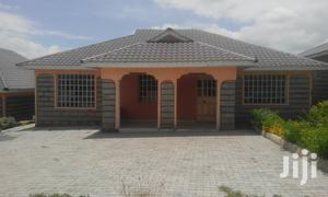 A Very Spacious 4 Bedroom All Ensuite Bungalow With A SQ In A Gated