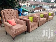 Stylish Modern 6 Seater Chesterfield Sofa Together With Wingback Chair | Furniture for sale in Nairobi, Ngara