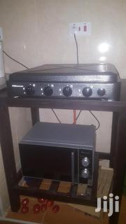 Von Hotpoint Table Top 4 Burner Cooker And Kitchen Table. | Kitchen Appliances for sale in Nairobi, Nairobi South
