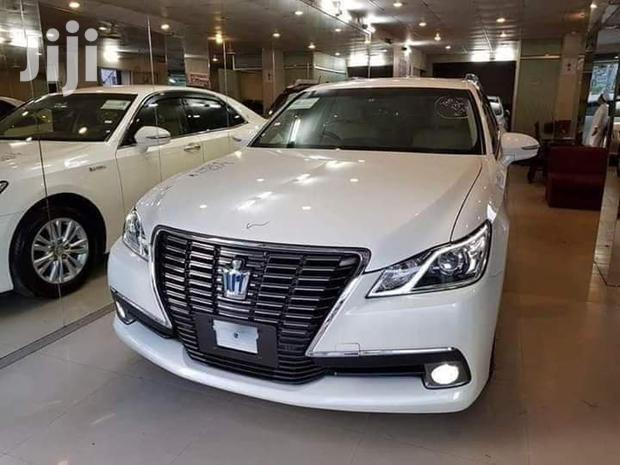 Toyota Crown 2012 White