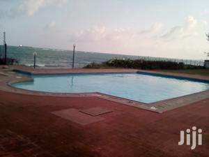 Beachfront 4br Villa With Pool in a Shared Estate Old Nyali