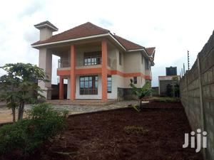 6 Bedrooms House For Sale At Golf View Estate Githingiri.