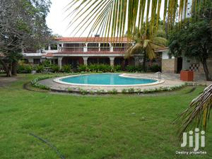 5 Br Own Compound Mansion Ideal for Big Family, Nyali