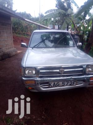 Toyota Hilux 1999 Silver