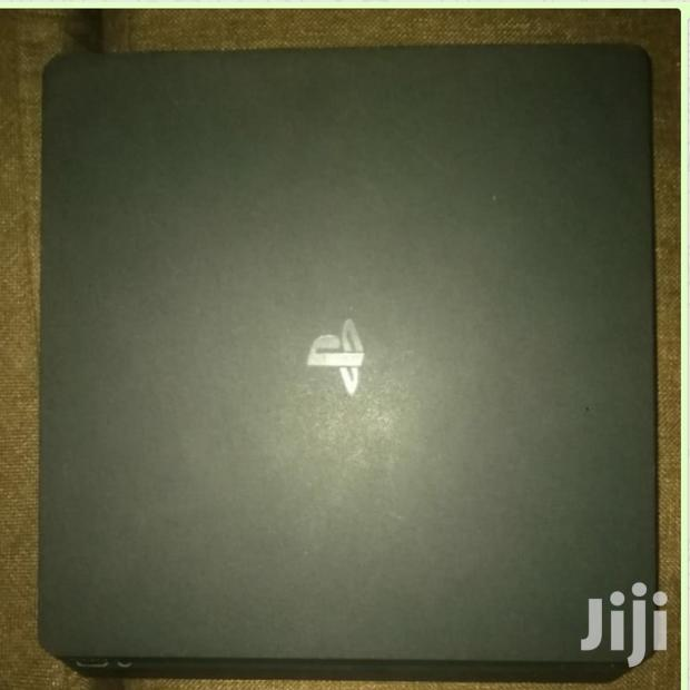 Archive: PS4 Console With 2 Pads And Fifa 19