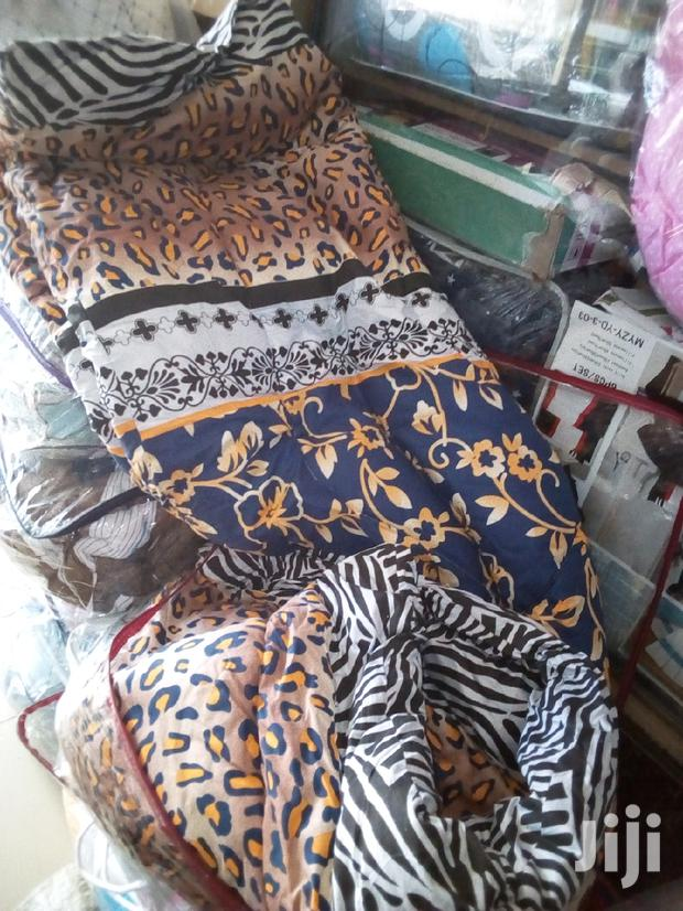Warm 5*6 Cotton Duvets With A Matching Bed Sheet And Two Pillow Cases