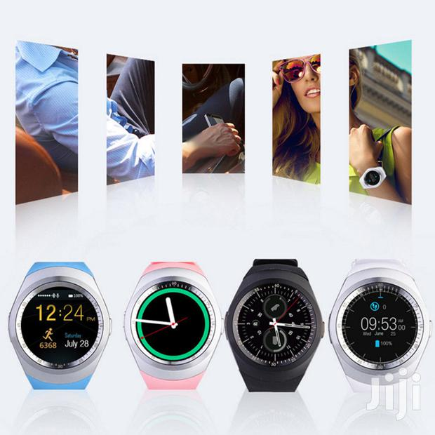 Y1 Smart Watch Bluetooth Phone High Quality