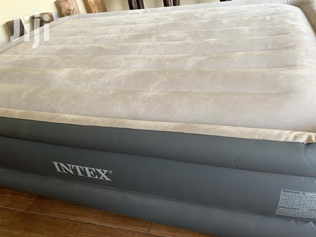 Archive: Inflatable Double Mattress