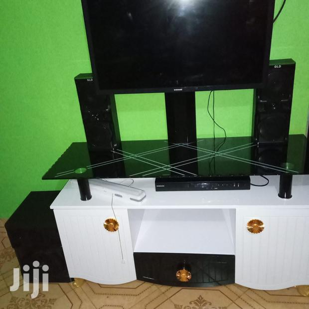 Archive: Tv Stand With A Tv Mount.