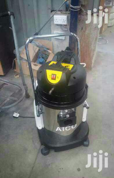 Brand New 20l Wet And Dry Carpet Cleaner With A Soap Dispenser.