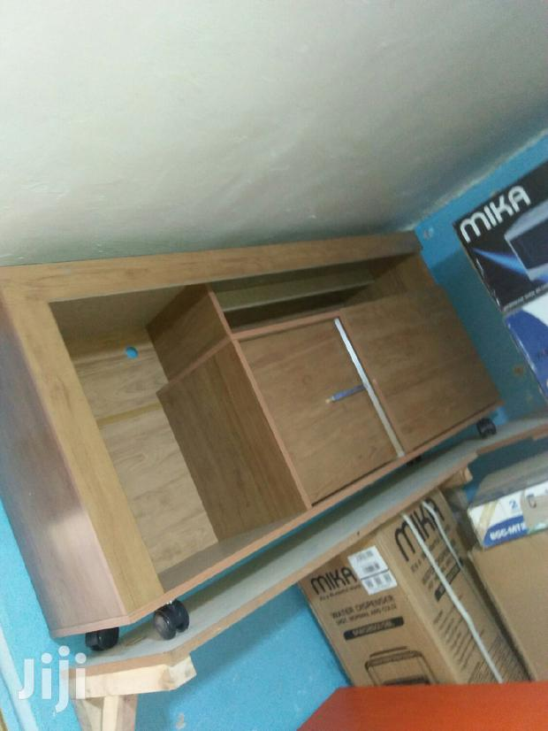 TV Stand In