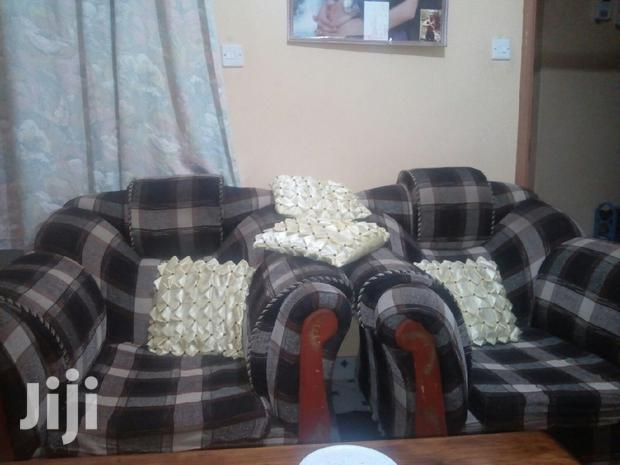 Archive: Sofa Set Five Seater