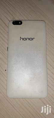 Huawei Honor View 20 8 GB White   Mobile Phones for sale in Nairobi, Westlands