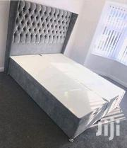 Stylish Modern Quality 5by6 Tufted Bed | Furniture for sale in Nairobi, Ngara