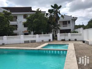 New Nyali- 4 Bedroom Villa With A Pool In A Shared Compound