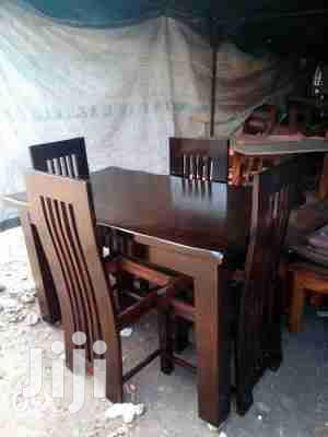 4 Seater Dinning Table