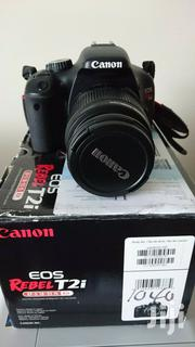 Canon EOS Rebel T2i / EOS 550D 18.0MP Digital SLR Camera - Black | Photo & Video Cameras for sale in Nairobi, Kitisuru