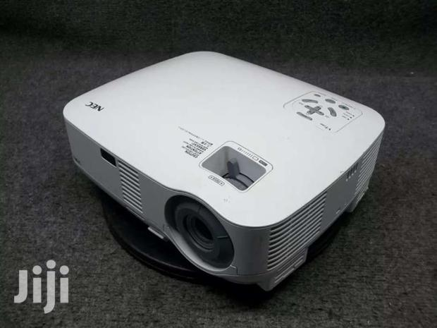 NEC Multisync Vt580 LCD Home Theater Projector