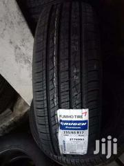 235/65/17 Kumho Tyre's Is Made In Korea | Vehicle Parts & Accessories for sale in Nairobi, Nairobi Central